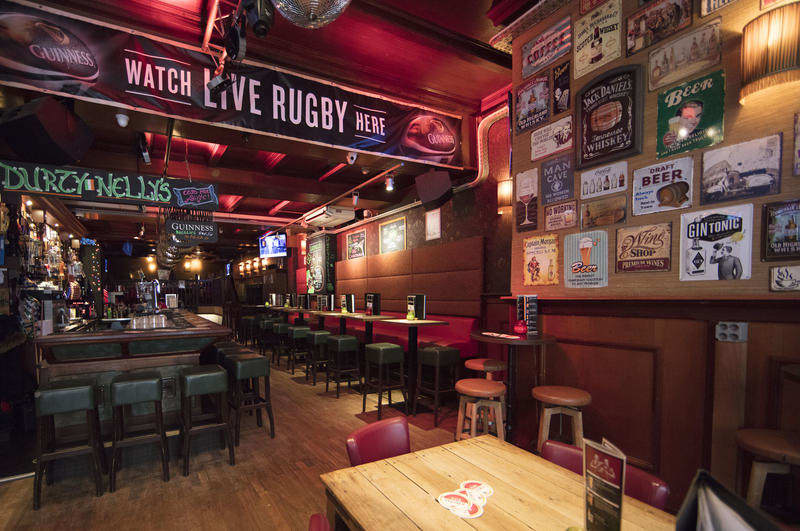 bar of durty nellys hostel